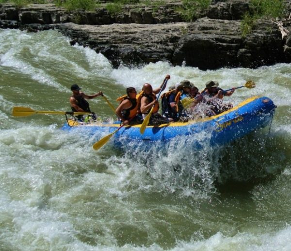 whitewater-rafting-the-snake-river-wy-620x536